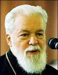 Mitropolitul Corneanu isi asuma verdictul de colaborare cu Securitatea