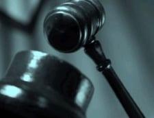 Moarte suspecta in Arges - procuroare gasita inecata intr-un lac