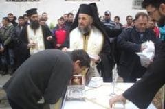 Moastele Sfantului Ierarh Nicolae, spre inchinare in Penitenciarul Braila
