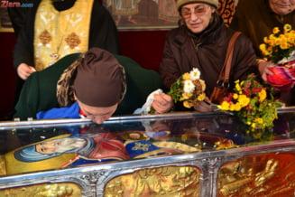 Moastele Sfintilor Ioachim si Ana, aduse pentru un weekend la Bucuresti