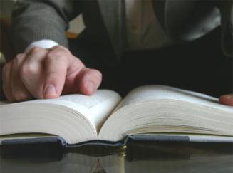 Modificarea Constitutiei, necesara si riscanta