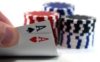 Modificari in Codul Fiscal: Cresc accizele si se introduce taxa de acces in cazino