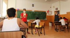 Modul in care vor functiona scolile din 8 februarie, stabilit prin decret. Formularile oficiale vizand scenariile verde, galben si rosu