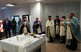Moldova n-are autostrada, dar Directia Drumuri si Poduri Iasi face inaugurare de sediu cu 6 preoti si mare fast