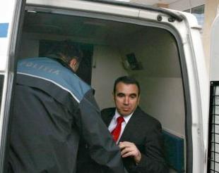 Moldovan: Rechinii cei mari nu au fost arestati