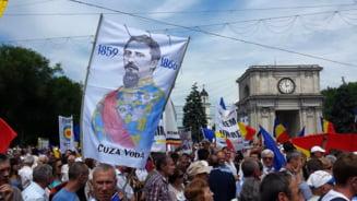 Moldovenii au votat unirea cu Romania - Fotoreportaj