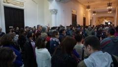 Moment NEASTEPTAT la o expozitie desfasurata la Palatul Culturii. Organizatorii au ramas surprinsi - FOTO