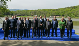 """Moment atipic la summit-ul de la Sibiu. Liderii UE au facut baie de multime, in timp ce lumea scanda """"Europa!"""" (Foto&Video)"""