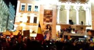 Moment emotionant la Timisoara, unde mii de voci canta la unison: Milioane de romani pe strada... (Video)