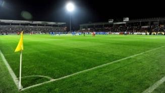 Moment incredibil la Giurgiu: Astra a prezentat al treilea trofeu din istoria clubului unor tribune goale!