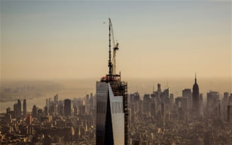 Moment istoric: World Trade Center a ajuns la inaltimea maxima (Video)