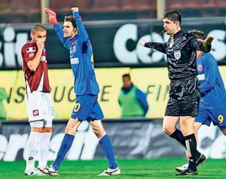 "Moment istoric in fotbalul romanesc: Lovin isi cere scuze dupa scandalul ""Bricheta"""