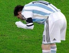 Moment socant pe National Arena: Lui Messi i s-a facut rau si a vomitat pe teren (Video)
