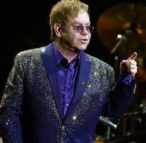 Moment unic in viata lui Elton John: S-a casatorit dupa 21 de ani de relatie (Foto)