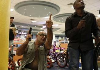Momente terifiante in mall-ul din Nairobi (Galerie foto)
