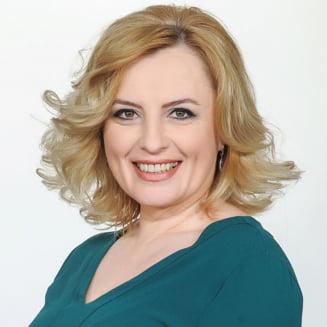 Monica Ghiurco ii cere public demisia sefei TVR: Incompetenta dvs ne afecteaza direct pe noi toti!