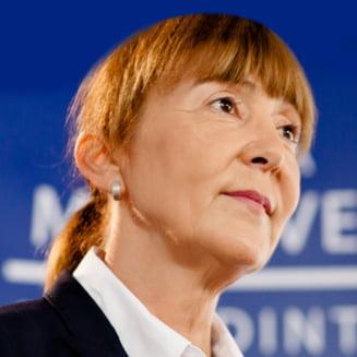 Monica Macovei: Ce a facut Tudorel Toader e incalcarea separatiei puterilor in stat. Sa nu mai spuna ca e independent