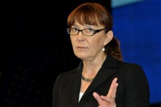 Monica Macovei: Voi infiinta un partid care va functiona mai mult online