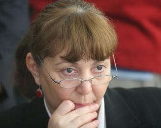 Monica Macovei cere demisia lui Ioan Rus, pentru tratamentul preferential acordat lui Nastase