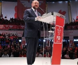 Monica Macovei il acuza pe Martin Schulz ca a blocat anchetarea lui Ovidiu Silaghi