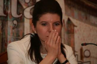Monica Ridzi, tupeu de politician puscariabil (Opinii)