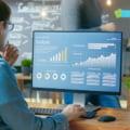 Monitor cu ecran curbat versus monitor plat. Ce e recomandat pentru tine?