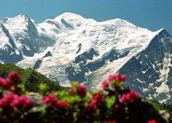 Mont Blanc s-a inaltat cu doi metri din cauza incalzirii globale