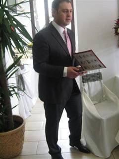 """Moruzi a facut plingere penala impotriva lui Chelaru de la """"Fidelio"""""""