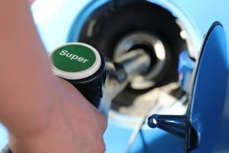 Mos Craciun ne aduce benzina mai scumpa: Cu cat a crescut pretul carburantilor in ultimul an