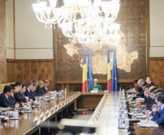 Motiunea de cenzura a fost citita intr-un Parlament aproape gol: Votul se da marti, dupa Rusalii
