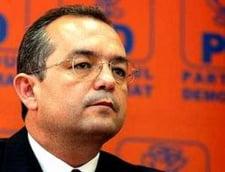 Motiunea de cenzura a picat Boc si-a chemat ministrii in sedinta