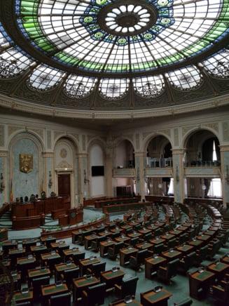 Motiunea de cenzura va fi citita duminica in Parlament