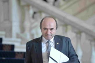 Motiunea impotriva lui Toader, amanata din nou de Senat: Doar 1 din 3 alesi a fost prezent la sedinta