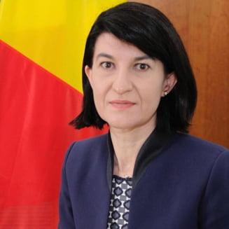 Motiunea simpla impotriva Ministrului Muncii Violeta Alexandru, adoptata de Senat. 76 de voturi in favoarea si 28 impotriva