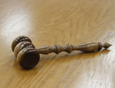 Motivare CCR de neconstitutionalitate pe Codul penal: Minorii ajungeau sa fie pedepsiti mai dur decat adultii