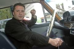 Motivele pentru care justitia din Romania mentine mandatul de arestare pentru milionarul Elan Schwartzenberg, fugit din tara