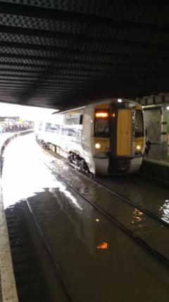 Motivul inedit pentru care intarzie trenurile la britanici: Lumina soarelui e prea puternica