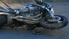 Motociclist ranit grav dupa ce s-a izbit de un copac