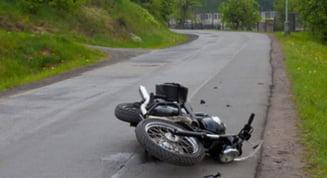 Motociclist ranit intr-un accident pe soseaua Hateg - Caransebes