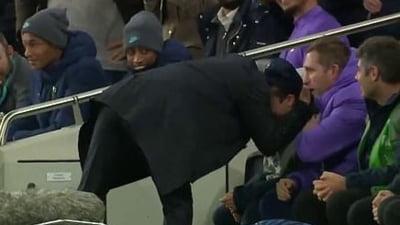 Mourinho a oferit faza serii in Champions League: Iata de ce a imbratisat un copil de mingi