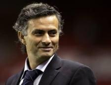 Mourinho il ironizeaza pe Benitez