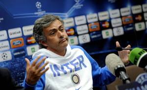 Mourinho s-a bucurat ca un copil, dupa golul lui Sneijder (Video)