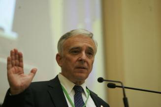 Mugur Isarescu: Acum este momentul ca Romania sa stimuleze consumul