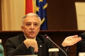 Mugur Isarescu, lider in topul increderii si favoritul la prezidentiale - Sondaj INSCOP