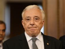 "Mugur Isarescu contesta la CCR definitia din lege a colaboratorului Securitatii. Nagat: ""A fost atacata, in 2008, si de Dan Voiculescu"""