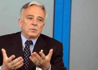 Mugur Isarescu vorbeste despre adoptarea euro... peste 10 ani