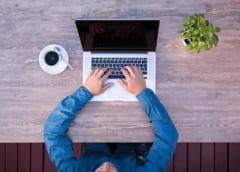 Munca de acasa: 51% dintre angajati se uita la filme porno de pe dispozitivele pe care si lucreaza
