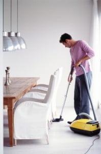 Muncile casnice te pot ingrasa, afirma cercetatorii