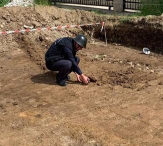 Munitie de artilerie neexplodata, descoperita pe o strada din Oradea