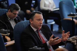 Munteanu rupe PNL: Inca un candidat liberal pentru Bucuresti anunta ca isi face campanie singur